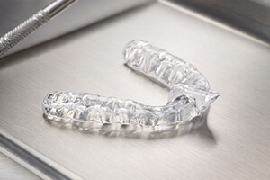 Clear occlusal splint